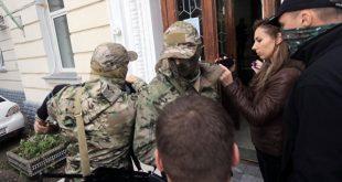 Пытать будем: сотрудники СБУ «кинули в мешок» российских предателей