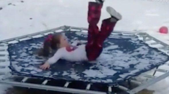 Неудачный прыжок американской девочки на батуте покорил интернет: видео