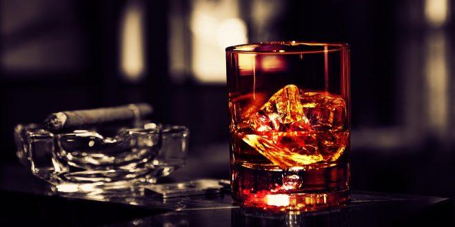 Прощальный раз: расплата за каплю «подозрительного» спиртного оказалась для супругов смертельной
