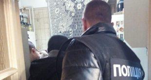 «Тушенка» из родственников: парень жестко отомстил своим родным и закатал их в банку