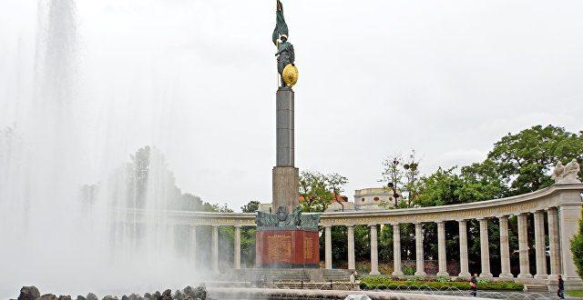 В Австрии местные вандалы уничтожают советские памятники – СМИ