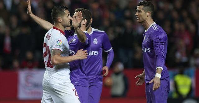 Подлость в футболе: во время матча соперник хотел вывести из себя Роналду, за что и получил «ответный удар» - СМИ