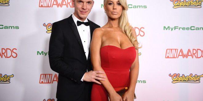 В мире интимных побед: русский актер дважды завоевал «Порно-Оскар» - СМИ