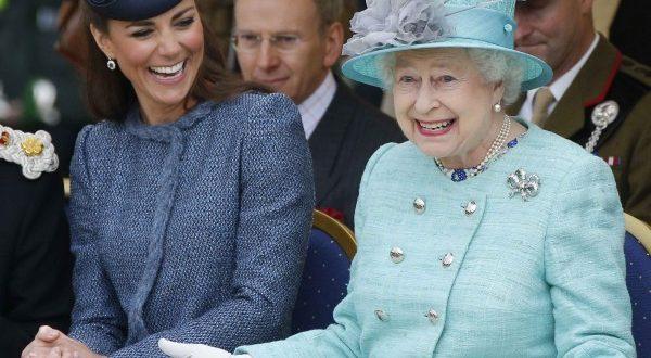 Выстрел в королевскую мишень: охранник мог бы застрелить саму королеву Великобритании – СМИ
