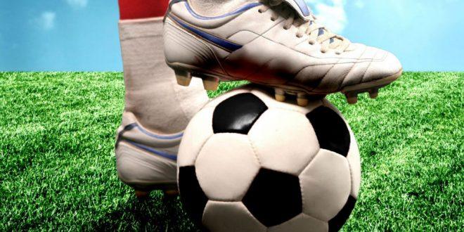 Британские ученые предупреждают: игра в футбол может привести к слабоумию