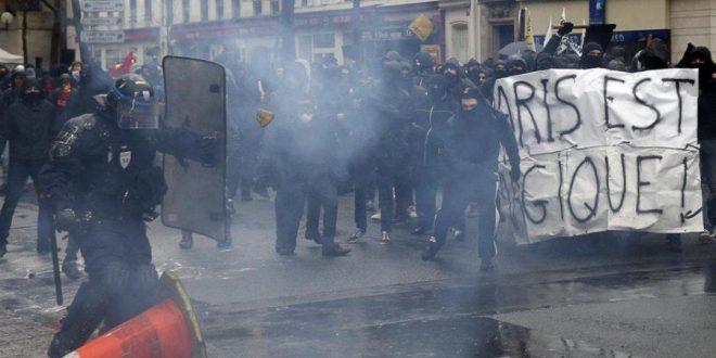 Французские лицеисты устроили погромы в Париже