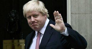Глава британского МИД Борис Джонсон поразил общественность пробежкой в красных шортах в цветочек