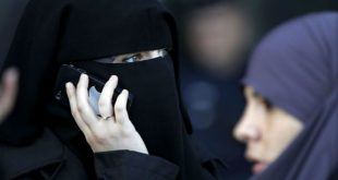 Посла ОАЭ прилюдно унизили в аэропорту Латвии, заставив снять хиджаб