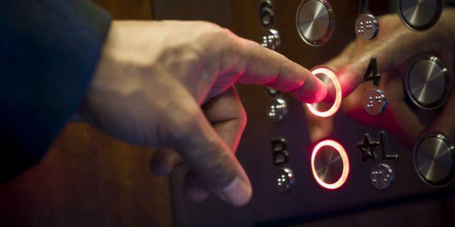 Латвийский депутат назло России отказался от использования лифтов