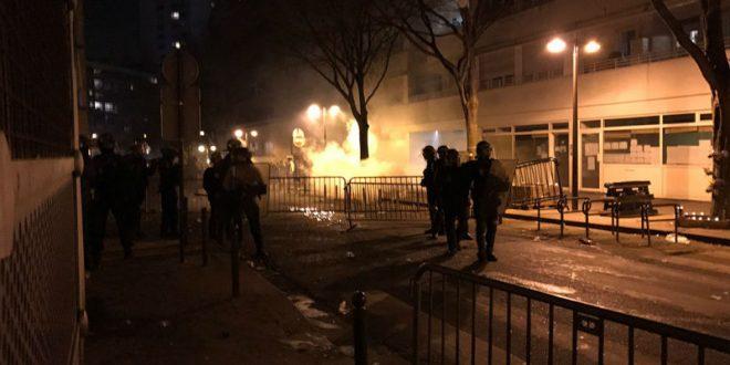 В Париже прошли массовые беспорядки после убийства мужчины полицейскими