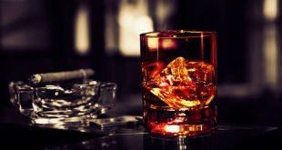Омские школьники построили собственный «кабак» с алкоголем, сигаретами и азартными играми