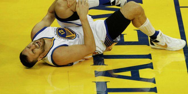Баскетболист сломал ногу спустя 58 секунд после дебюта в составе команды НБА