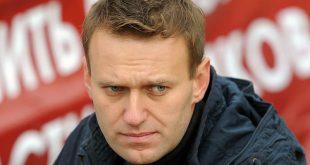 Навального замуровали: двери нижегородского штаба оппозиционера залили монтажной пеной