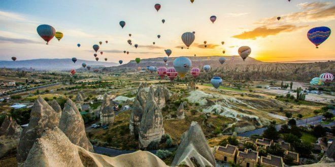 В Турции почти полсотни человек пострадали при падении воздушных шаров