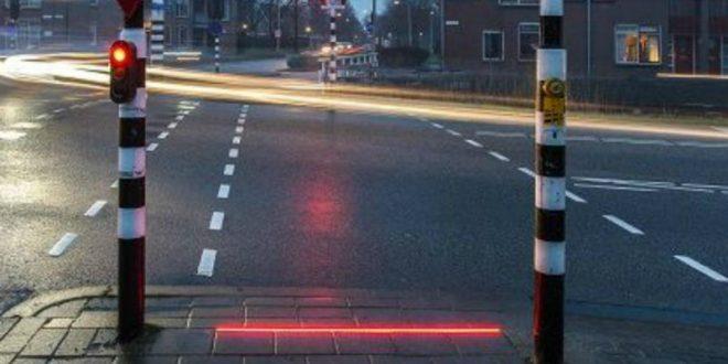В Нидерландах испытывают светофор для любителей уткнуться в смартфон
