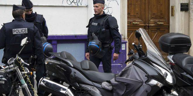 ИГИЛ взяли на себя ответственность за стрельбу по полицейским в центре Парижа, устроенную за 2 дня до выборов президента Франции