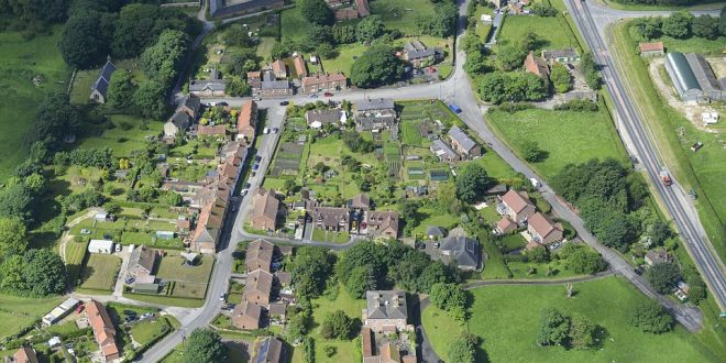 В Великобритании деревню с десятками домов продали частной компании за 25 млн долларов