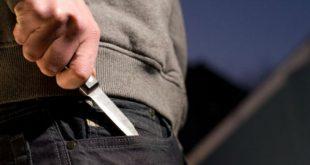 В Иркутской области борец, тренер и депутат подрались, вооружившись топором, трубой и ножом