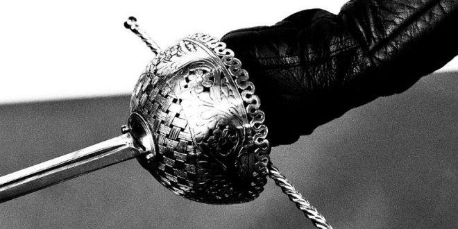 В Татарстане дачница отбила свои вещи у вора, вооруженного топором и шпагой