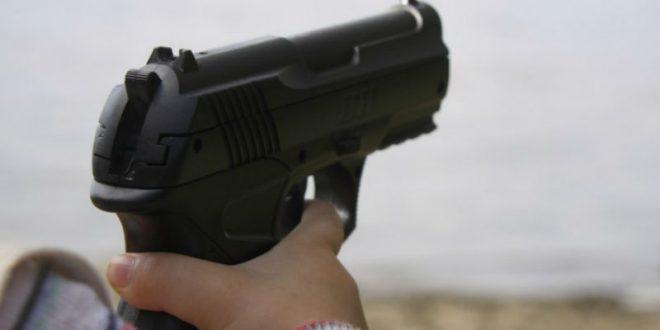 12-летний канадский школьник случайно застрелил своего друга из пистолета во время игры