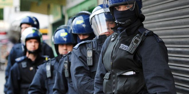 В Лондоне полицейский пострадал при взрыве, прибыв по вызову на место происшествия
