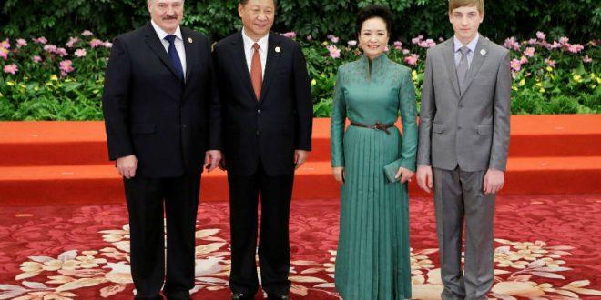 Лукашенко взял 12-летнего сына Колю на международный форум в Пекине