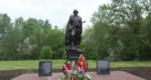В Ростове установили памятник Советскому солдату с орфографической ошибкой