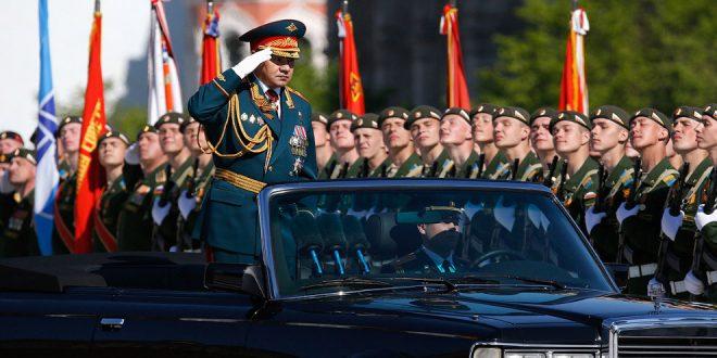 Шойгу поздравил россиян с Днем Победы, назвав этот праздник символом духовного величия народа