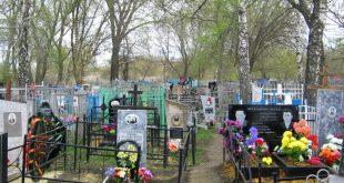 В Братске школьники устроили погром на кладбище, разрушив 30 захоронений