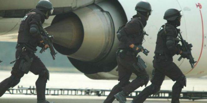 Австралийский аэропорт закрыли из-за попытки захвата самолета террористом