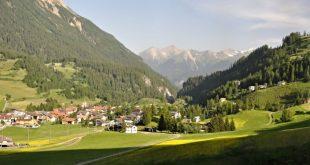 Туристам запретили фотографировать «слишком живописную» швейцарскую деревню