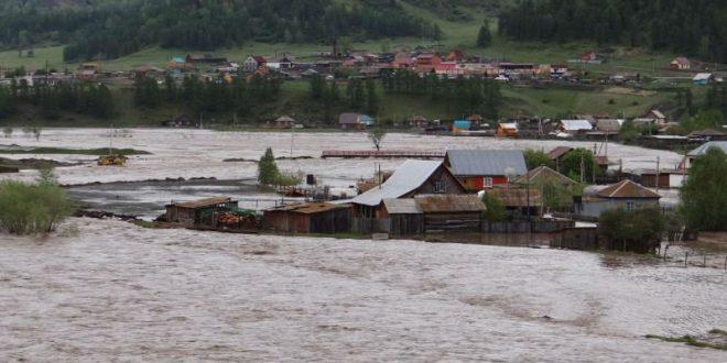 Более 200 жителей тюменской деревни оказались отрезаны от «большой земли» из-за паводка