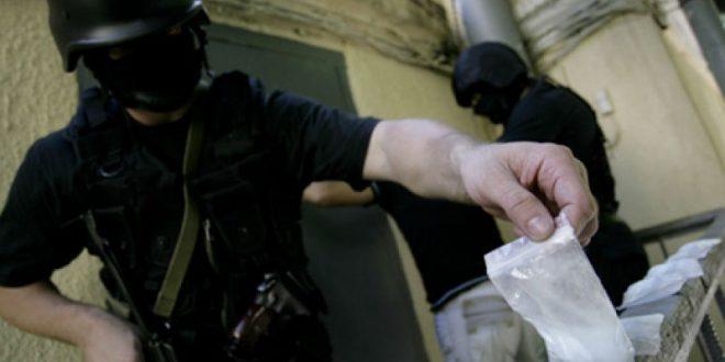 Петербургский сотрудник отдела МВД по борьбе с наркотиками попался на продаже наркотиков