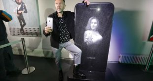 В Москве открывается выставка Шнурова «Ретроспектива брендреализма»