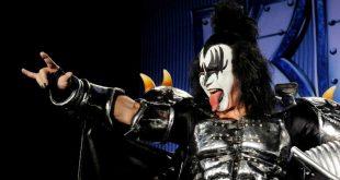 Фронтмен группы Kiss вознамерился запатентовать рокерскую «козу»
