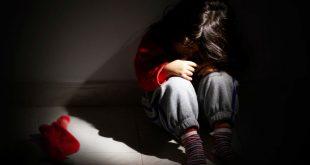 Жительница Подмосковья заставляла 8-летнюю дочь заниматься сексом с мужчинами за сладости