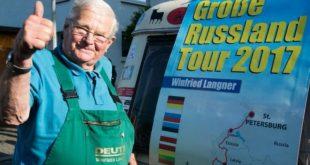 Немецкий пенсионер доехал до Петербурге на тракторе 1960 года