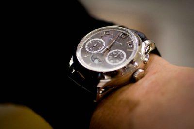 В Монако фейковые «часы Путина» ушли с молотка аукциона за миллион евро