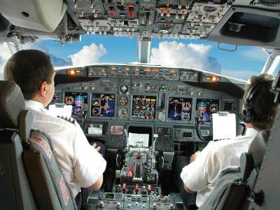 СМИ рассказали о покидающих Россию ради работы за границей пилотах