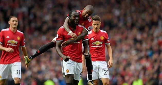 Клубы из Манчестера фейерят и уверенно занимают верх турнирной таблицы